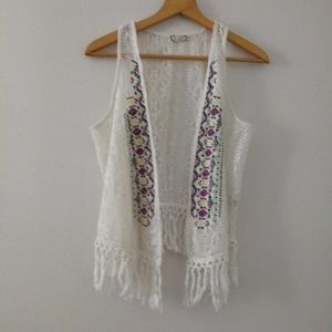 Eyeshadow Open Front Embroidery Vest With Tassles